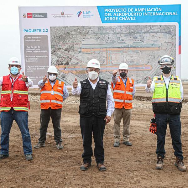 El ministro de Transportes de Perú visita las obras del Aeropuerto de Lima