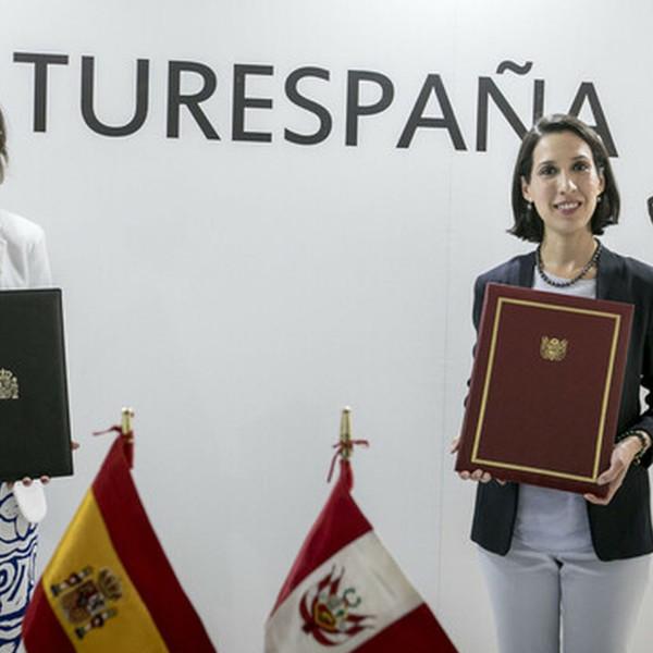 España y Perú firman un MOU en materia turística