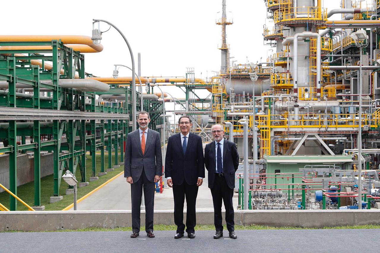 Felipe VI y el presidente de Perú inauguran las instalaciones de La Pampilla