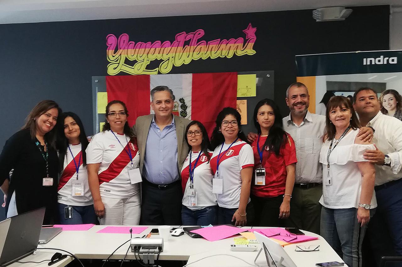 Indra Perú gana el Hack Day organizado para el Día de la Mujer