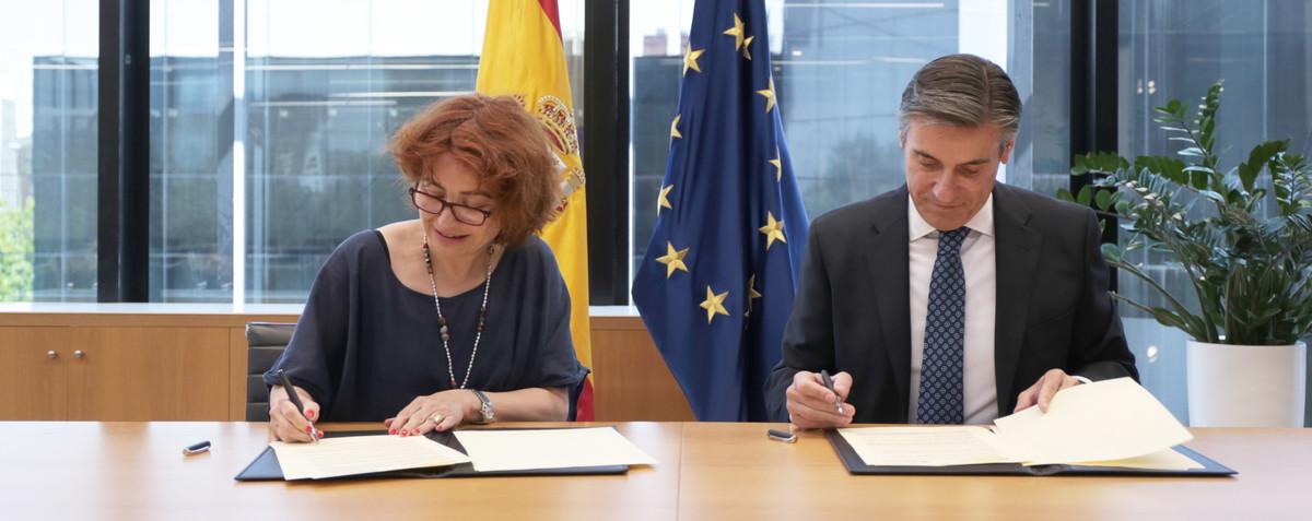 Acuerdo de colaboración entre ICEX y Fundación Microfinanzas BBVA